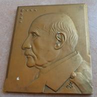 Platre Buste De Maréchal Pétain - Signé Plaf 41 - 1939-45