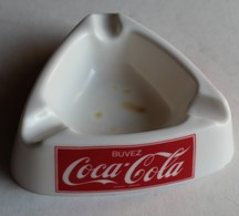 Buvez Coca-cola Modèle Déposé Cendrier Publicitaire En Plastique Dur - Cendriers