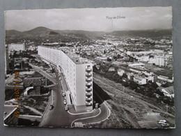 CP 63  CLERMONT FERRAND - La Muraille De Chine à Gauche La Cité Universitaire, Puy De Dôme  Vers 1960 - Clermont Ferrand