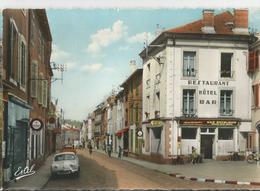 LUNEVILLE RUE DE LA REPUBLIQUE ****  594 - Luneville