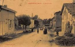 CPA LAHEYCOURT ( Meuse ) - La Rue Du Bois - France