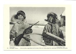 AMERIQUE.. CANADA..ALASKA.. Deux Jeunes Esquimaux Catéchisés Par Les Pères Jésuites, Rentrant Joyeux De La Pêche - Canada
