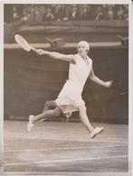 WIMBLEDON CHAMPIONSHIPS MISS R D TAPSCOTT SOUTH AFRICA MRS GODFREE TENNIS 20 * 15 CM  Fonds Victor FORBIN (1864-1947) - Deportes