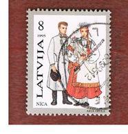 LETTONIA (LATVIA)   -  SG 428  -  1995 COSTUMES: NICA  -   USED - Lettonia