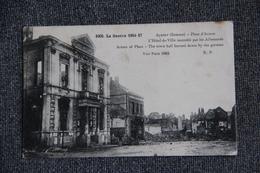 MILITARIA , Guerre 1914 -18 : ALBERT, Place D'armes.L'Hotel De Ville Incendié Par Les Allemands. - Oorlog 1914-18