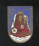 Badge Notre Dame De Luxembourg  - Emaillé - Très Bon état - Religion &  Esoterik