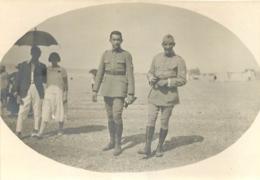 PHOTO ORIGINALE SOLDATS MARCHANT SUR UNE PLAGE 8.50 X 6 CM - War, Military
