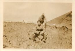 PHOTO ORIGINALE SOLDATS DANS LES DUNES - War, Military