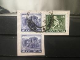FRANCOBOLLI STAMPS INDIA 1965 USED SU FRAMMENTO MOTIVI LOCALI BLOCCO FRAGMENT - India