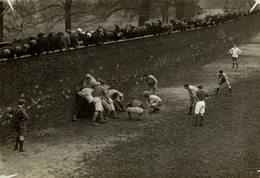 WALL GAME England  16 * 12 CM Fonds Victor FORBIN 1864-1947 - Deportes