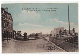 Carte Postale  Deulémont Visite Des Bâteaux, à Gauche, Le Bureau De Douane Fluviale, Animée 1934...T1 - Other Municipalities