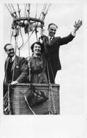 3 FAMOUS AERONAUTES. FROM RIGHT TO LEFT: JOHN BOESMAN, NINI BOESMAN, C DE VOS K LOOTWIJK. Ballon 1955 - Montgolfières