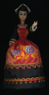 POUPEE FOLKLORIQUE  AURAY - Dolls