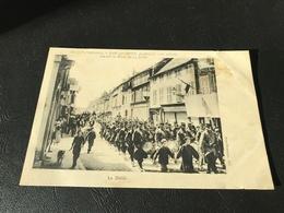 Le 133e D'Infanterie, à BAR Sur SEINE, Pendant La Crise Viticole Passant La Revue Du 14 Juillet - Le Défilé - 1911 - Bar-sur-Seine