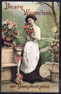 FEMME - CP - Jeune Femme Présentant Des Fleurs - Circulé - Circulated - Gelaufen - 1910. - Femmes