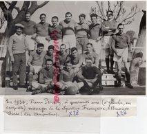 03- DOMPIERRE- EN 1932 PIERRE PERRIN A 40 ANS A GAUCHE EN CASQUETTE MANAGER DE LA SPORTIVE FRANCAISE A BUENOS AIRES - Personnes Identifiées