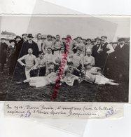 03- DOMPIERRE- EN 1912 PIERRE PERRIN A 20 ANS AVEC LE BALLON CAPITAINE DE L' UNION SPORTIVE DOMPIERROISE - Personnes Identifiées