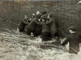 DERBYSHIRE Shrove Tuesday Football Match Ashbourne 22* 17 CM Fonds Victor FORBIN 1864-1947 - Fotos