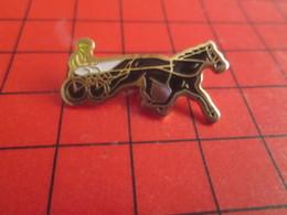 2317 Pins Pin's / Rare & De Belle Qualité  THEME : ANIMAUX : CHEVAL TROTTEUR SULKY COURSE PMU GOGOS ENCORE PERDU - Animali
