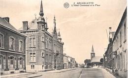 Brugelette NA17: L'Hôtel Communal Et La Place - Brugelette
