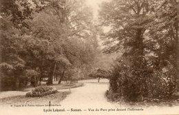 Sceaux    Lycee LAKANAL   Vue Du Parc Devant L Infirmerie - Sceaux