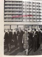 87- LIMOGES-INAUGURATION HOPITAL CHU JACQUES CHIRAC ET SIMONE VEIL LE 9 JANVIER 1976- RARE PHOTO ORIGINALE LACAN - Personnes Identifiées
