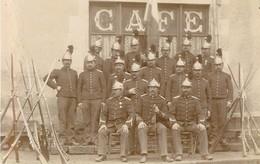 SAPEURS POMPIERS Vers 1900 - RARE Photo Ancienne - TRES BEAU PLAN - Format CPA (9 X 14 Cm) - Dos Vierge - Sapeurs-Pompiers