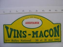 PLAQUE 9e RALLYE AUTOMOBILE DES VINS DE MACON Assistance En 1992 - Plaques De Rallye