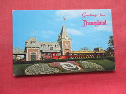 Greetings From    Disneyland     Ref 3347 - Disneyland