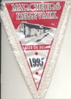 """Très Joli Fanion Des """"Marcheurs De Bellevaux """" ( Malmedy) 1995  ( B250) - Other"""
