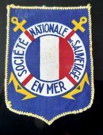 SOCIETE NATIONALE DE SAUVETAGE EN MER ECUSSON INSIGNE MARINE NATIONALE SAUVETEUR DES MERS MILITARIA TISSU - Navy