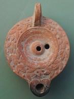 LAMPE ROMAINE  DU 2em Siècle - Archéologie