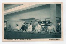 - CPA PARIS (75) - EXPOSITION DE 1937 - PAVILLON DES TABACS - Le Comptoir De Vente (belle Animation) - - Expositions