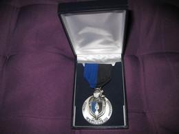 Médaille Union Nationale De La Gendarmerie Avec Sa Boite - France