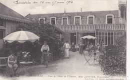 Ouistreham/ 14/ Cour De L'hôtel De L'Univers Mme Janvier../ Réf:fm:1105 - Ouistreham