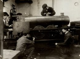 TOY ENGINE FOR Siamese Prince NORTHAMPTON  ENGLAND   RAILWAY CHEMIN DE FER 21* 16 CM Fonds Victor FORBIN 1864-1947 - Trenes