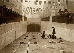 LONDON HOLBORN TRAMWAY UNDER KINGSWAY RAILWAY CHEMIN DE FER 21* 16 CM Fonds Victor FORBIN 1864-1947 - Trenes