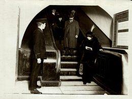 LONDON EMBANKMENT AND CHARING CROSS MOVING STAIRCASE METRO RAILWAY CHEMIN DE FER 21* 16 CM Fonds Victor FORBIN 1864-1947 - Trenes