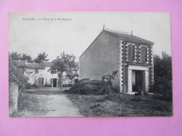 Moulès Commune D' ARLES  - La Place De La Boulangerie - Edit. Mouret Epicerie - Voyagé En 1919 - Other Municipalities