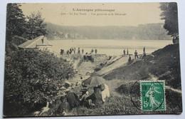 CPA 63 Le Lac Pavin Vue Générale Et Le Déversoir Animé Personnages 1912 Lambert 22 Rue Du Petit Bois Charleville - France