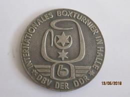 Germany: Medal DDR 1986 Internationales Boxturnier In Halle DBV Der DDR - Zur Erinnerung 1986 - Deutschland