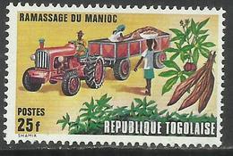 TOGO REPUBLIQUE TOGOLAISE 1972 RAMASSAGE DU MANIOC Cassava Collection By Truck 25f MNH - Togo (1960-...)