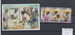 Gambia Michel Cat.No. Mnh/** 2105/2107 + Sheet 257 - Gambia