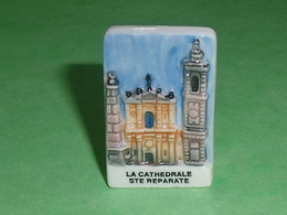 Fèves / Pays / Région : La Cathedrale Ste Reparate , N  , RARE(je Recherche La Photo De Cette Série ) Merci  T9 - Pays