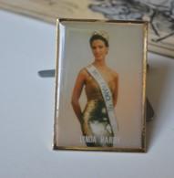 Rare Pin's Miss France Linda Hardy - Pin-ups