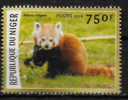 NIGER  N ° 3409  * *    Especes En Voie De Disparition Ours Panda Roux - Bears