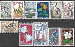 9Ab-960: Restje 11 Zegels  Diverse ... Verder Uit Te Zoeken.. - Niger (1960-...)