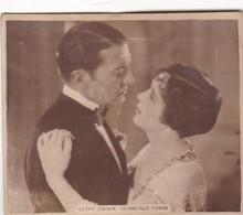 CLIVE BROOK FLORENCE VINDOR. SUPER CIGARRILLOS. CARD TARJETA COLECCIONABLE TABACO. CIRCA 1930s SIZE 5.5x6.5cm - BLEUP - Personalità
