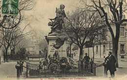 NIMES  Monument Des Combattants RV - Nîmes