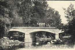 BOURG MADAME Pont International Sur La Raour ,rivière Formant La Frontière Entre La France Et L'Edpagne RV - Francia